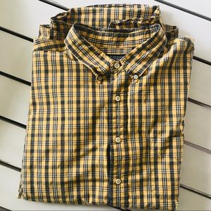 American Eagle 2X Mustard & Gray Plaid Button Down